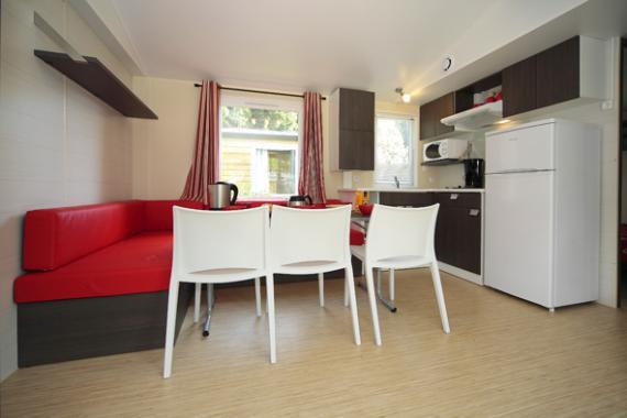 table et cuisine gentiane horizontal (591x394).jpg